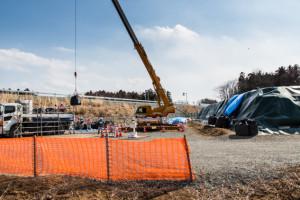 中間貯蔵最初のトラックに汚染土が積み込まれ木村氏の自宅から1キロほどのところに搬入された。3月13日 大熊町大川原地区