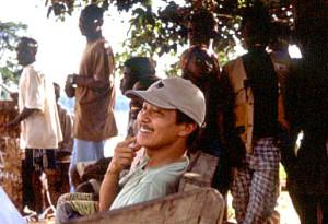 ボマサ村での筆者と村人たち©西原智昭