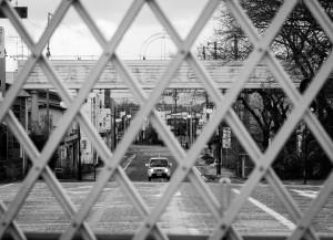 震災5年を前に標語「原子力明るい未来のエネルギー」が撤去された = 2016年1月 双葉町長塚