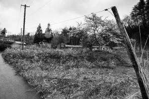 一時帰宅した男性が割腹自殺をした自宅 = 2014年4月 浪江町赤宇木