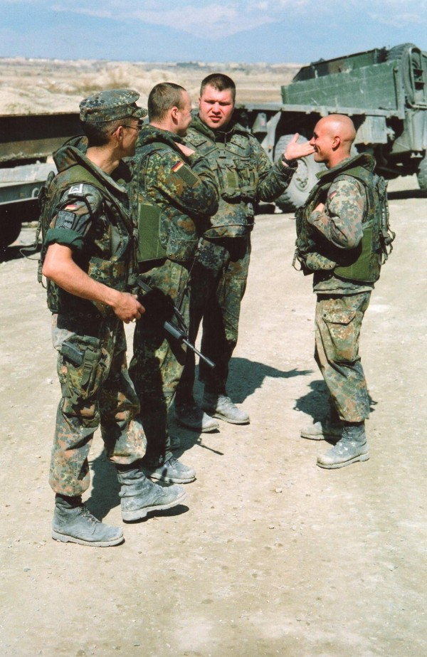 アフガニスタン2002年 橋を修理するドイツ軍